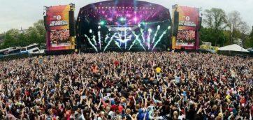 V FESTIVAL     Photo Source: BBC.CO.UK